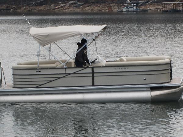 Crest Pontoon Boats CREII230