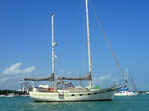 Islander Freeport 41 Starboard Profile
