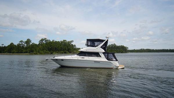 Sea Ray 370 Sedan Bridge Profile