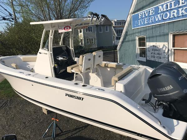 Pursuit C 238 Center Console