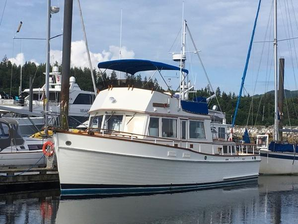 Grand Banks 42 Classic On the Dock