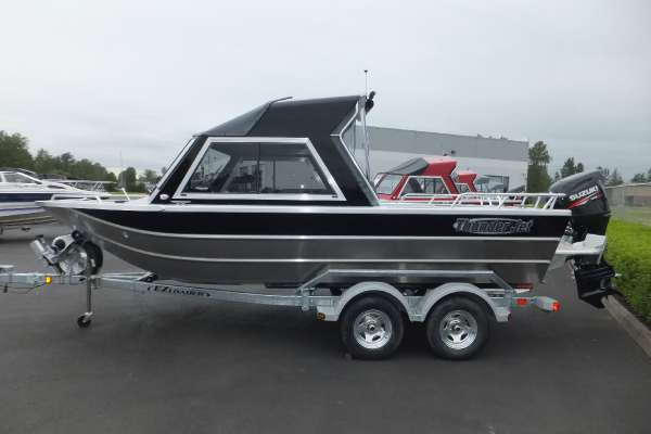 Thunder Jet 20' Luxor OB 12 Hard Top