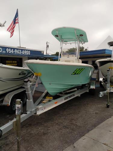 Sea Chaser 26 LX BAY RUNNER