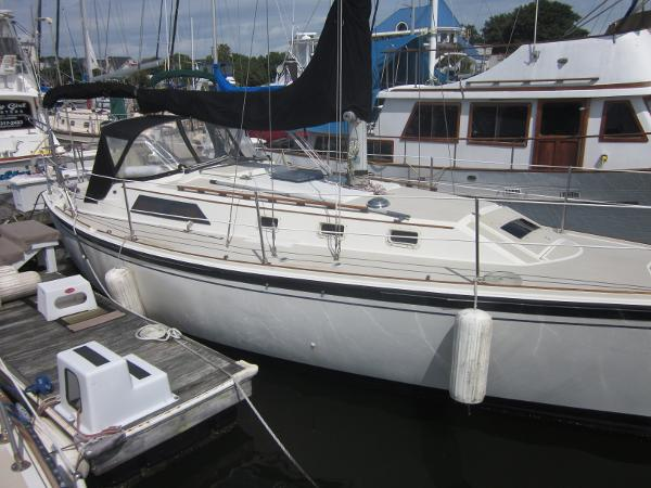 O'Day 34 Sloop