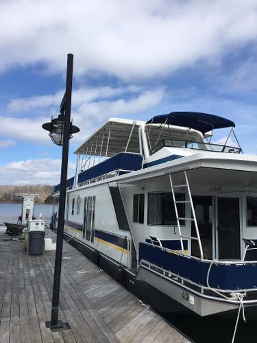 Fantasy Houseboat 16 X 75 Houseboat
