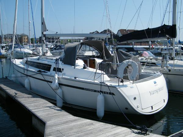 Bavaria Cruiser 33 Port Side
