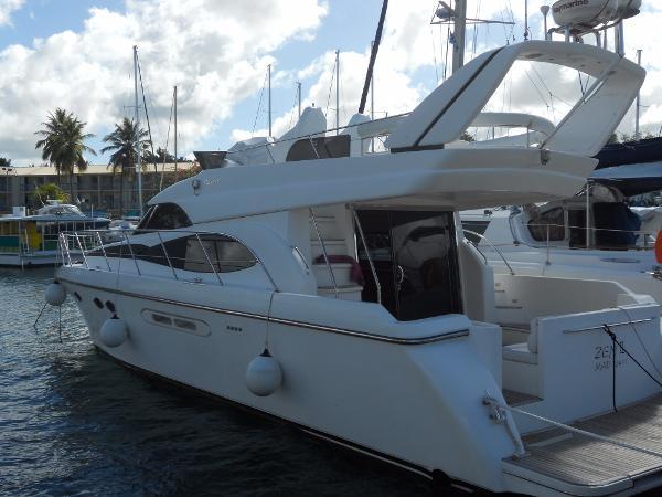 Dyna Yachts 51