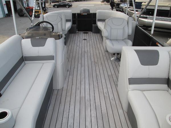 Crest Pontoon Boats CREI220
