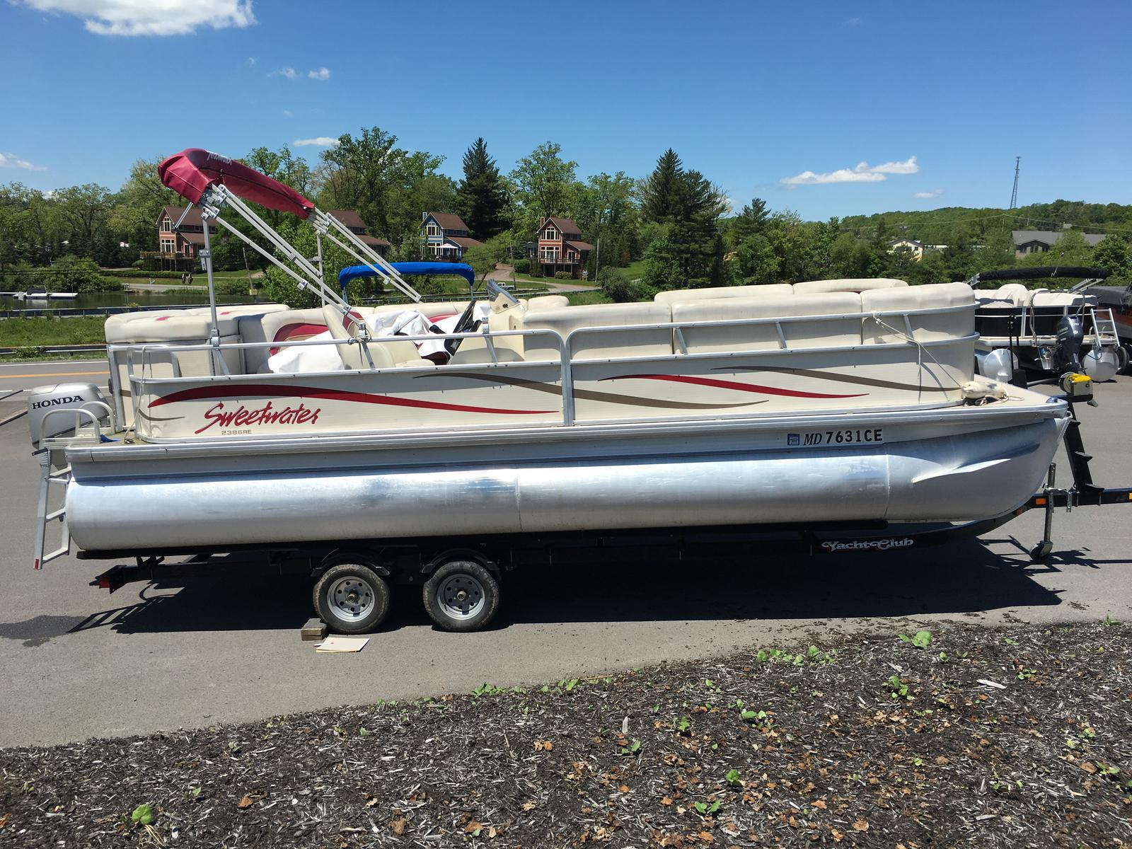 Godfrey Marine SW2386RE3 SWEETWATER