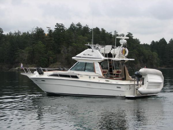 Sea Ray SRV 310 Command Bridge