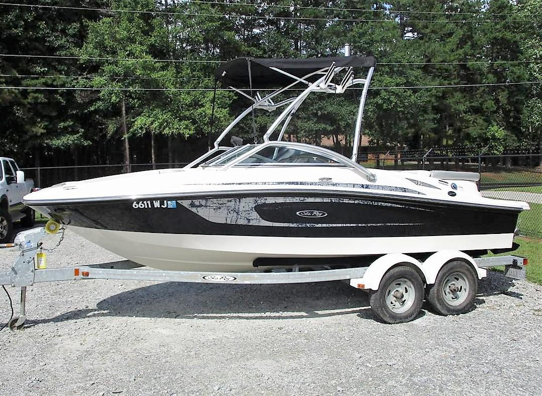 Sea Ray 195 Sport Boat