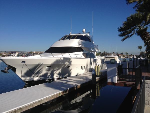 McKinna Yachts Skylounge Yacht 69' McKinna Skylounge