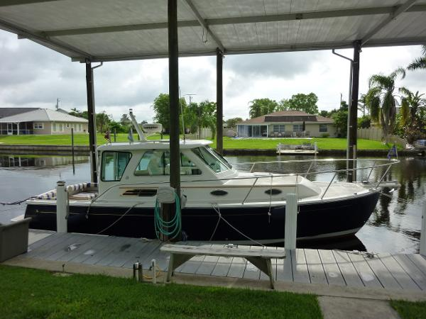 Back Cove 29 Enclosed Pilothouse