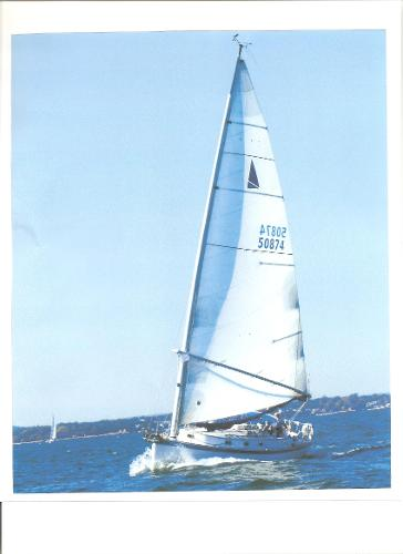 Hinterhoeller Nonsuch 30 Classic Barbcat sailing upwind
