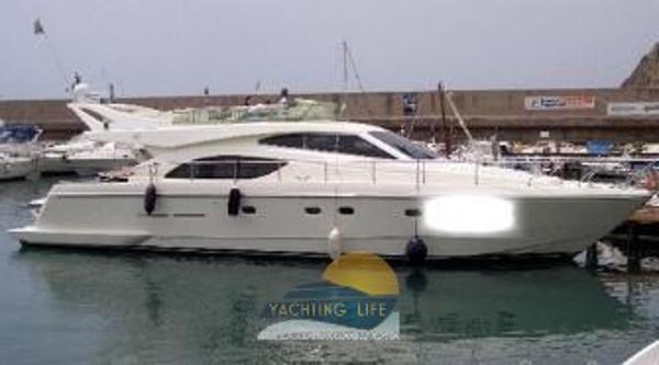 Ferretti Yachts 530 1