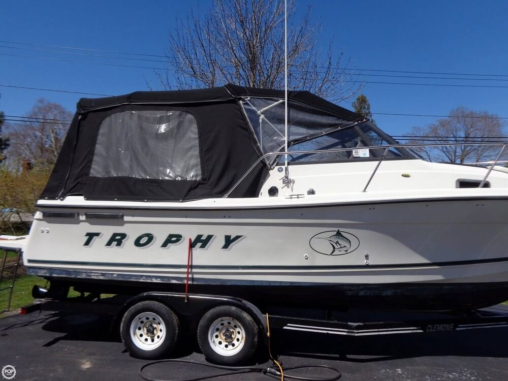 Bayliner Trophy 2352LX 2000 Bayliner Trophy 2352LX for sale in Hilton, NY