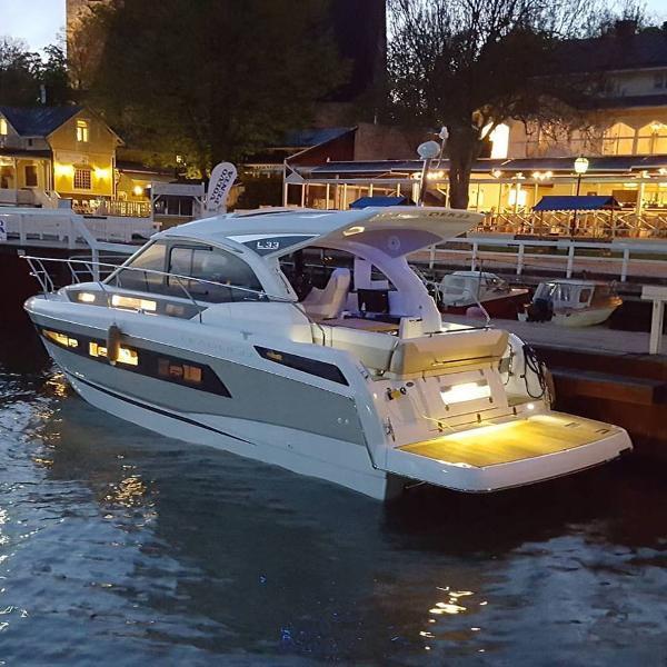 Jeanneau Leader 33 demoboat