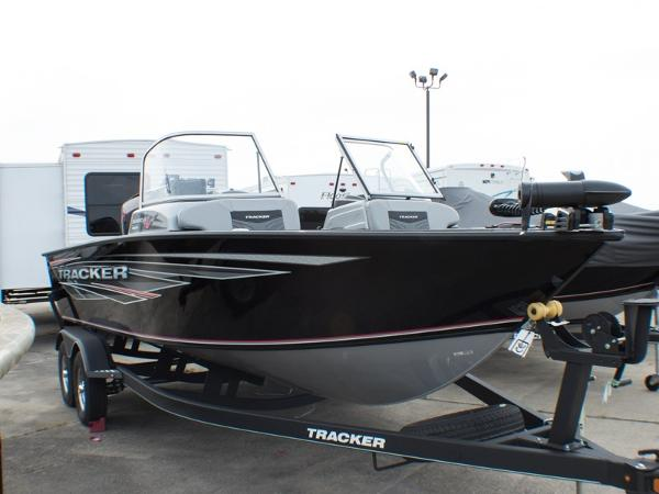Tracker Targa V-19 Combo
