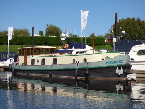 Sagar Marine Mini-Luxe Dutch Barge Replica