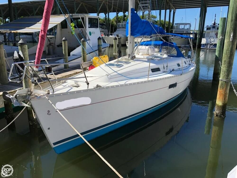 Beneteau Oceanis Clipper 361 2002 Beneteau Oceanis 361 for sale in Osprey, FL