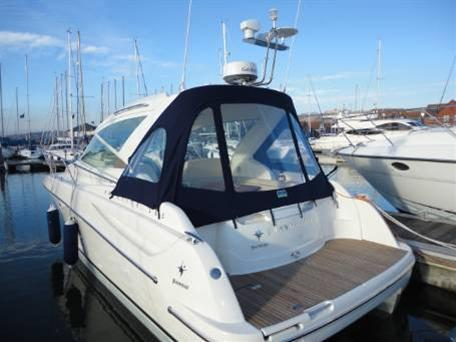 Jeanneau Prestige 30 S. Similar Boat - manufacturer photograph