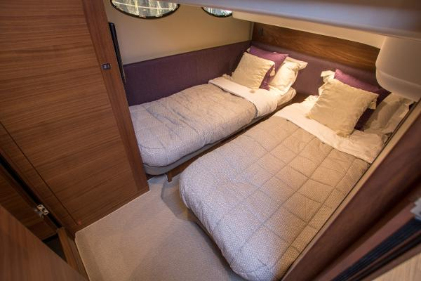 Princess 43 Twin Cabin