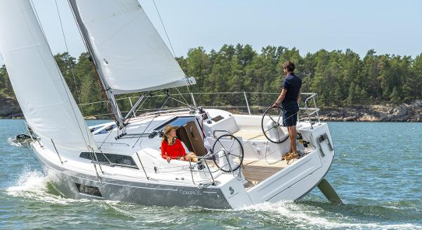 Beneteau Oceanis 30.1 Manufacturer Provided Image