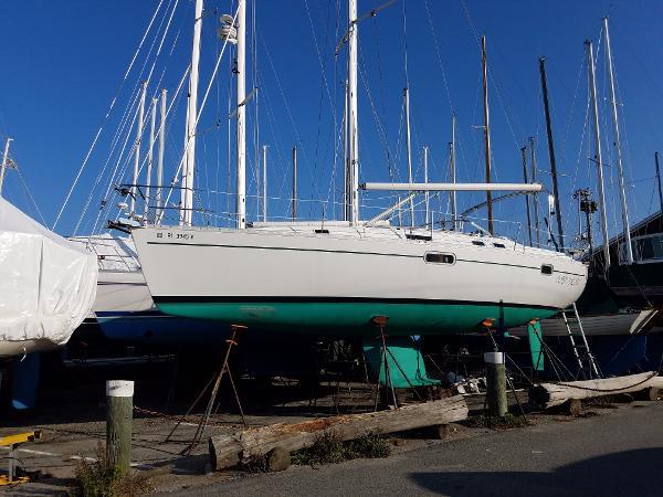 Beneteau Oceanis 351 Overall