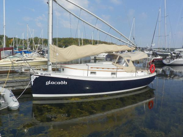 NONSUCH 26 dockside
