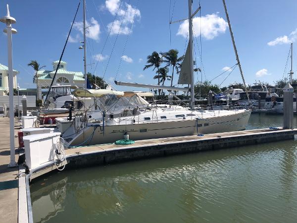 Beneteau 42.3 Oceanis Starboard Profile