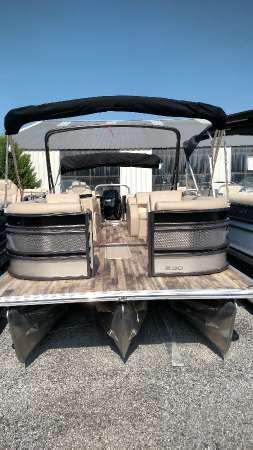 Crest Pontoon Boats Classic 230 SLR2