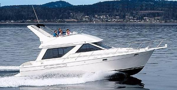 Bayliner 3988 Manufacturer Provided Image