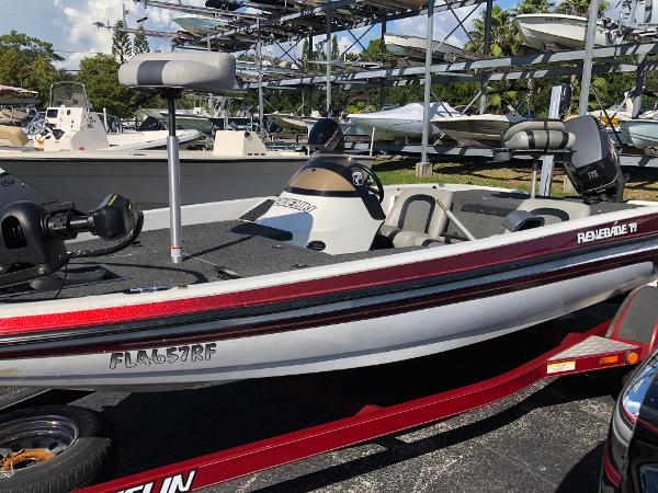 Javelin RENEGADE 19 SC BASS BOAT