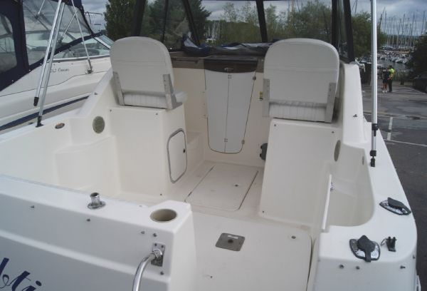 Bayliner 2452 Ciera - Deck without canopy