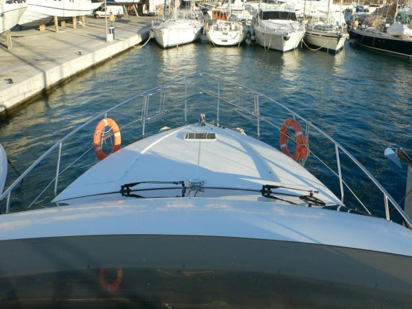 Azimut 52 view from flybridge to bow