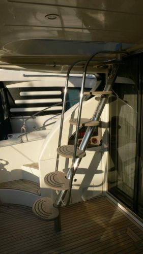 Azimut 52 stairs to flybridge