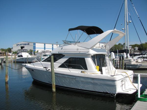 Bayliner 3788 Flybridge Motoryacht