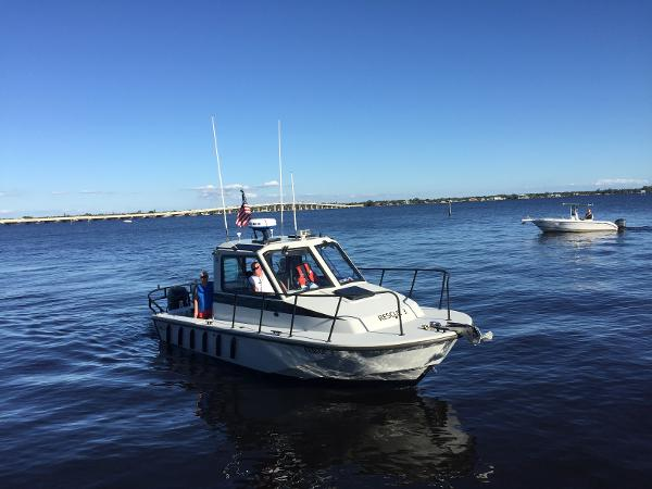 Boston Whaler 27 Challenger