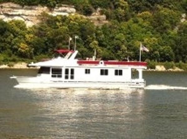 Majestic Legacy Lake Yacht