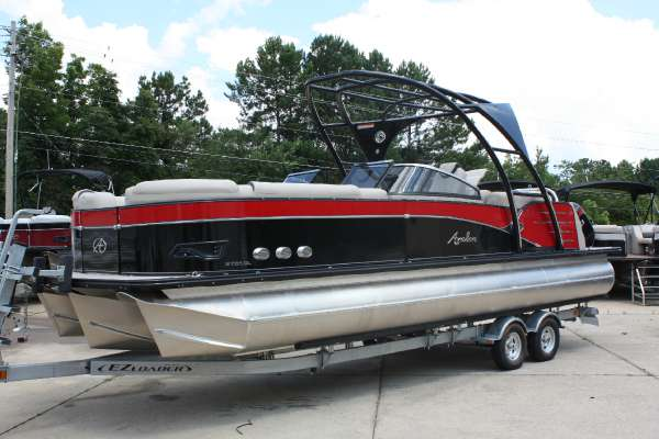 Avalon Catalina Platinum Windshield - Quad Lounge - 27 ft.