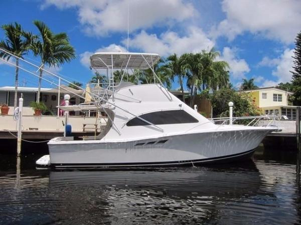 Luhrs 36 Convertible Starboard Profile