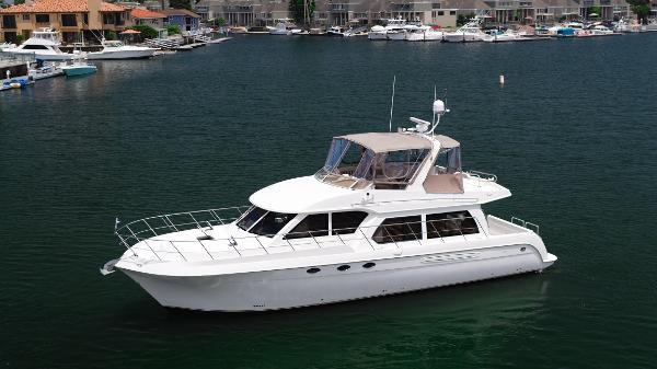 Navigator 5100 Away From Dock