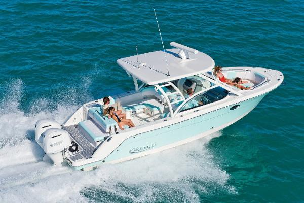 Robalo R317 Dual Console Manufacturer Provided Image