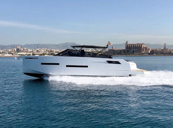 De Antonio Yachts D46 Open
