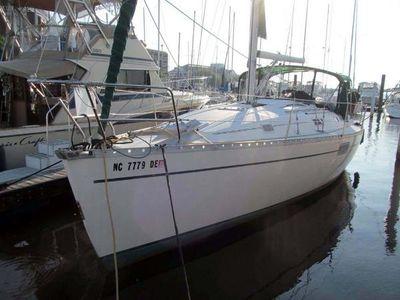 Beneteau Oceanis 351 Port Bow