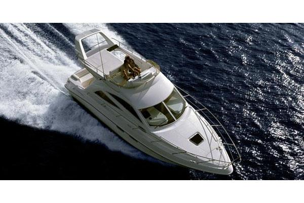 Sealine F34 Manufacturer Provided Image: Running Shot