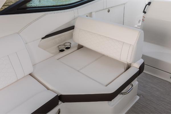 Sea Ray Sundancer 320 Outboard