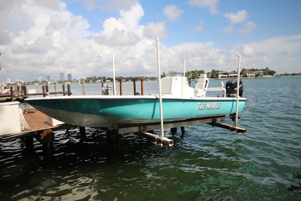 Yellowfin 24 Bay