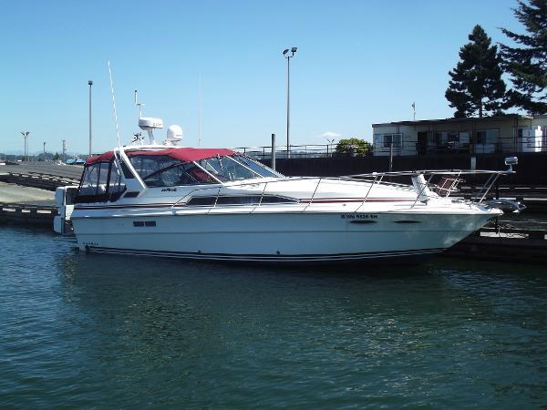 Sea Ray 34 Escort Sedan