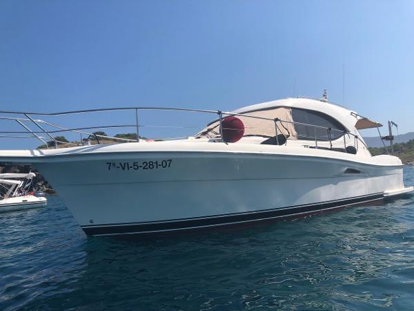 Riviera 3600 SY Sports Yacht